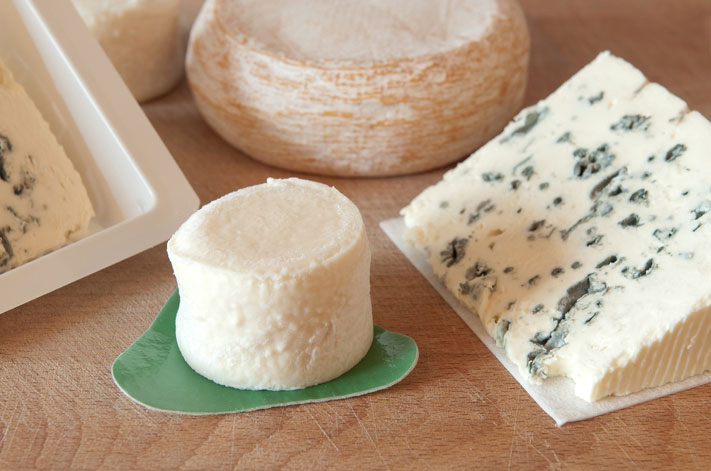 absorbent pads for wet cheeses;